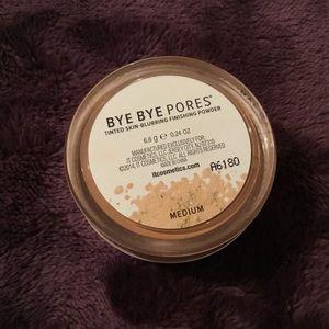 it cosmetics Makeup - It Cosmetics Bye Bye Pores Powder, Medium Blurring